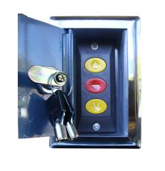 Caja metálica con botoneras